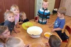 Pečeme  ovocné koláčky